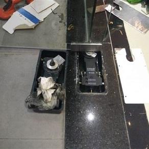 地弹簧玻璃门维修更换