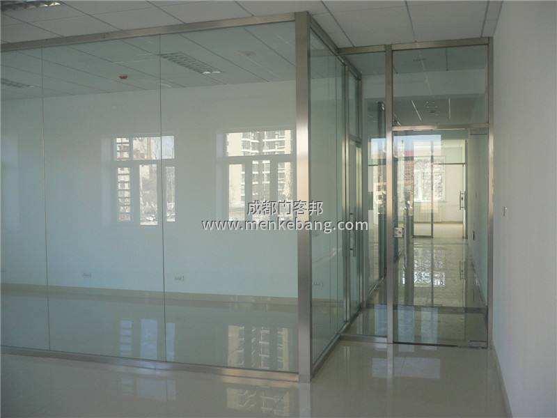 成都换一个玻璃门要多少钱,修个玻璃门大概多少钱